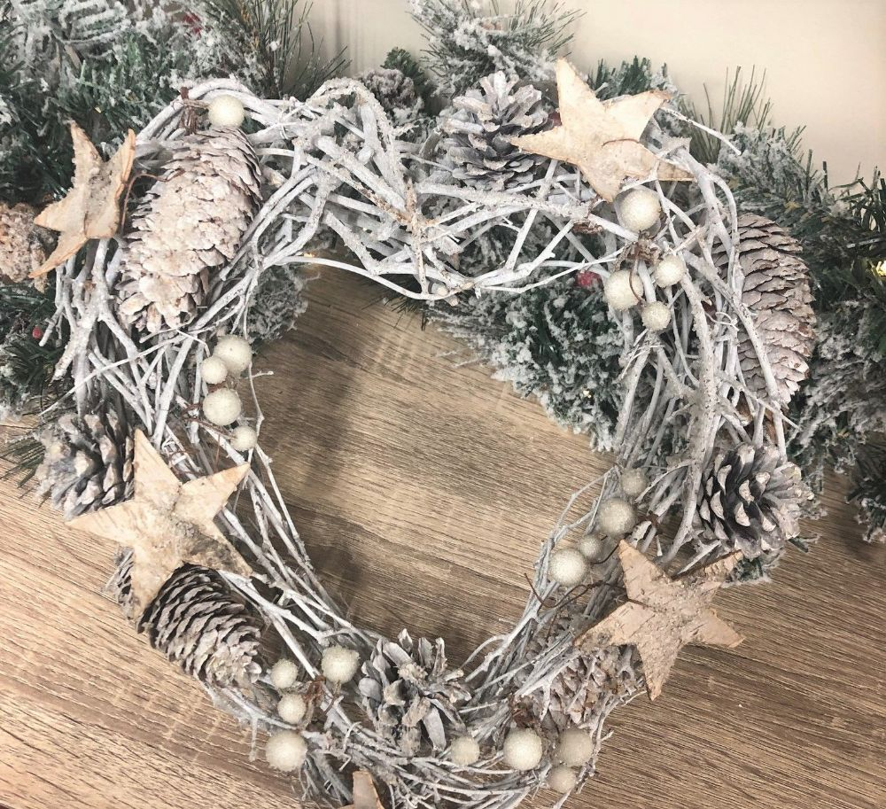 23 cm Pinecone Heart Snowy Wreath with Stars